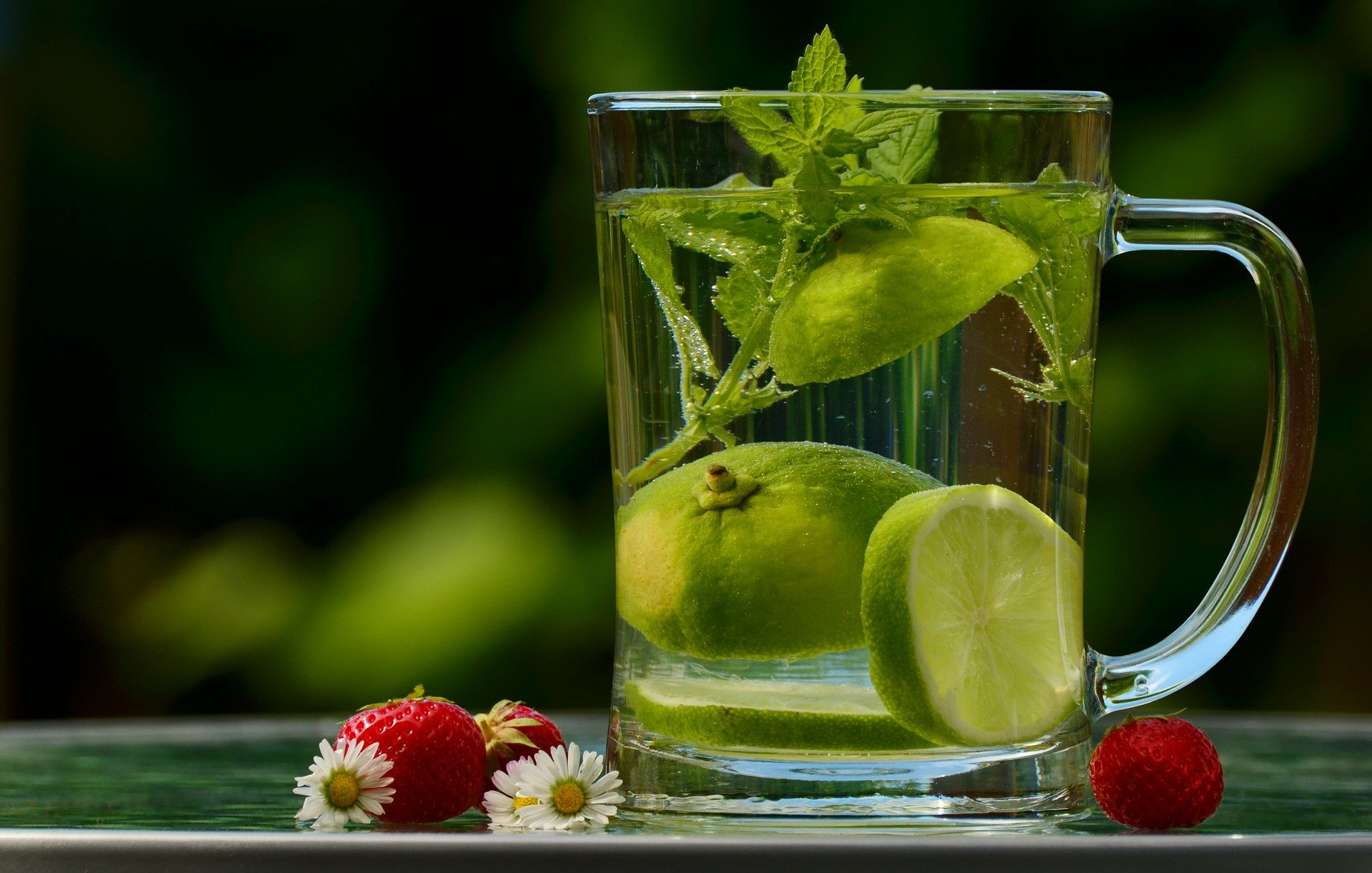5 Simple Ways to Detoxify Your Body At Home