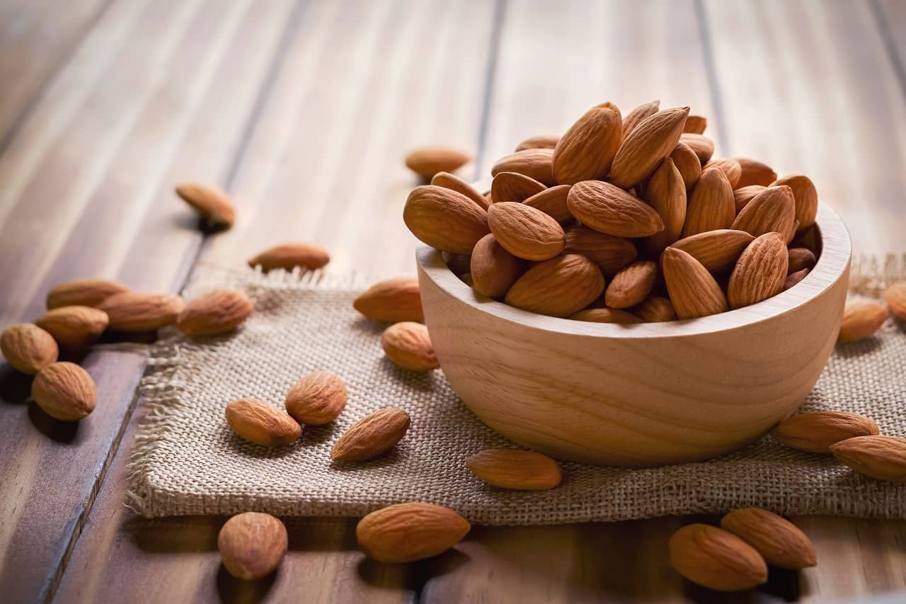 Almond facemasks for glowing skin