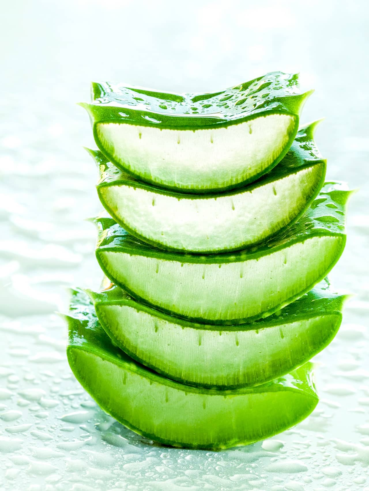Aloe vera and glycerin homemade facemasks for glowing skin