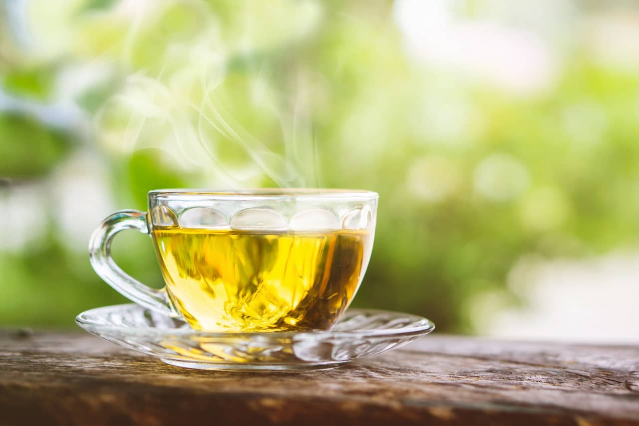Drink green tea to lose neck fat and double chin