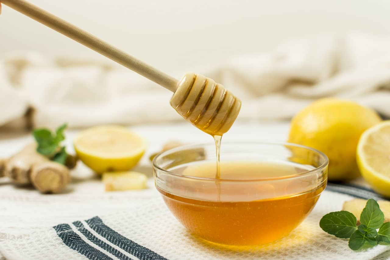 Honey facemasks for glowing skin