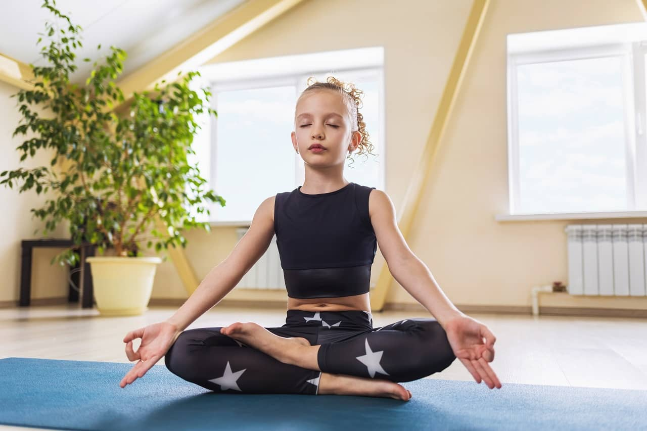 Kapha-nashak Mudra for weight Loss - Yoga Mudras For Weight Loss